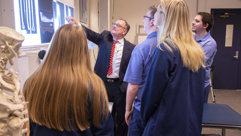 Tom Sandridge teaches Radiological Sciences students.