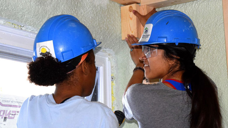 De'Airra and Jacqueline building a home